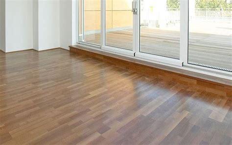 posa in opera pavimento posa in opera pavimenti in sughero pavimentazioni come