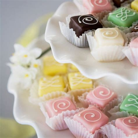 petit fours wedding petit fours mini cakes wedding favors