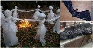 How To Make Spooky Halloween Decorations 12 Diy Scary Trash Bag Halloween Decorations