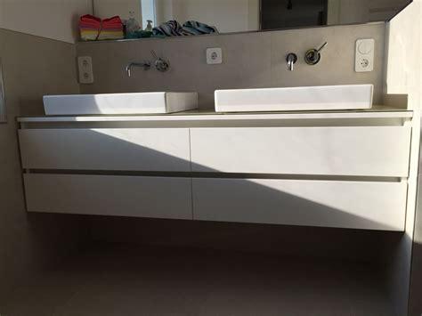 Badezimmer Unterschrank Zwei Waschbecken by Waschtisch Unterschrank Mit Griffmulden Mit Glas