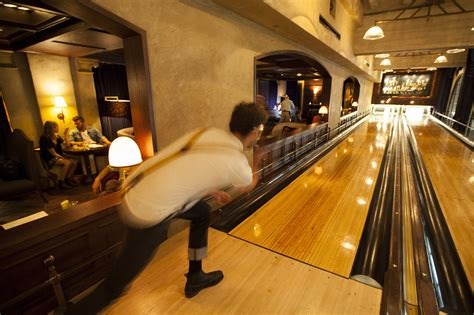 top ten bars in hollywood the 10 best bowling alleys in los angeles