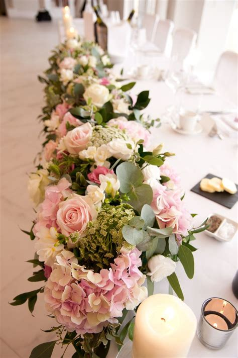Wedding Flower Table Arrangements by 25 Best Ideas About Wedding Top Table Flowers On