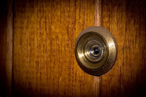 Front Door Peephole by How To Install A Peephole For A Door Vibrant Doors