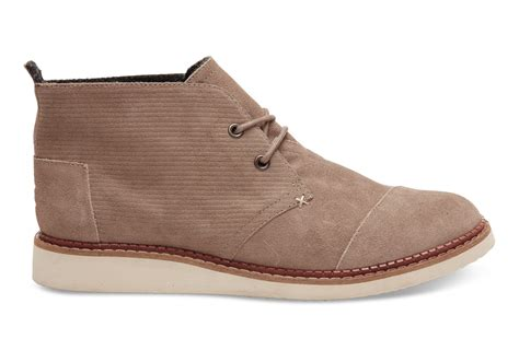 toms desert taupe embossed suede s mateo chukka boots