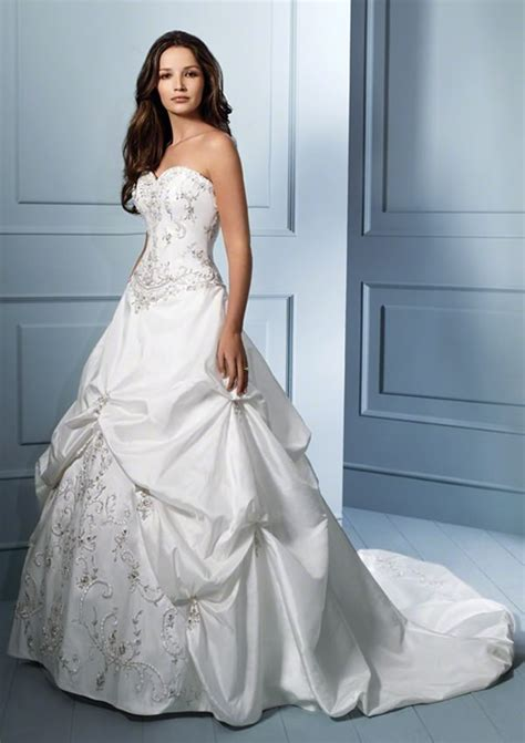 imagenes de vestidos de novia por la iglesia vestidos novia 2011 vestidos de boda baratos y vestidos de