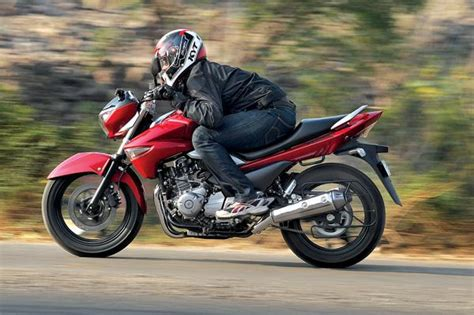 Suzuki 350cc Suzuki Inazuma Vs Rivals Specifications Comparison Bike