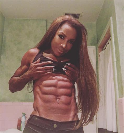 hollywood actress abs actress aj johnson shows off her 8 pack this is miss