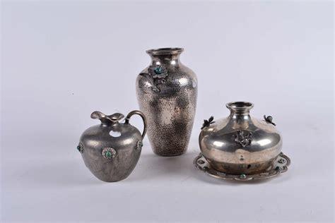 vasi in argento tre vasi diversi in argento con pietre argenti e