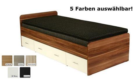 futonbett 120x200 schwarz futon bett quot rom quot futonbett holzbett farbe schwarz weiss