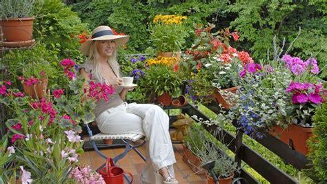 garten strohhut balkonpflanzen blumen und pflanzen f 252 r die balkonk 228 sten