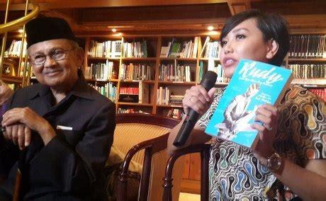 biografi pendidikan habibie habibie luncurkan biografi rudy kisah masa muda sang