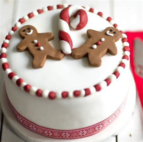 best 25 christmas cake decorations ideas on pinterest