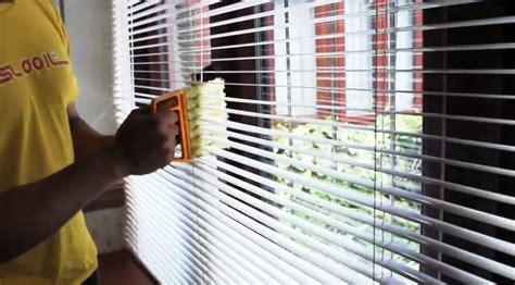 tips tricks    clean venetian blinds home