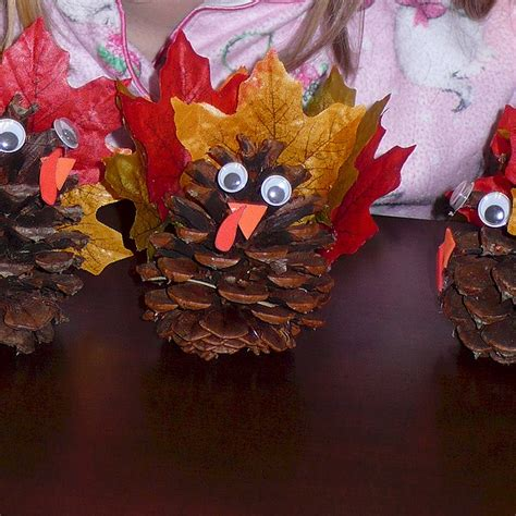 pinecone turkey craft thanksgiving crafts