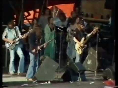 lynyrd skynyrd knebworth youtube lynyrd skynyrd free bird with ronnie van zandt 1976 youtube