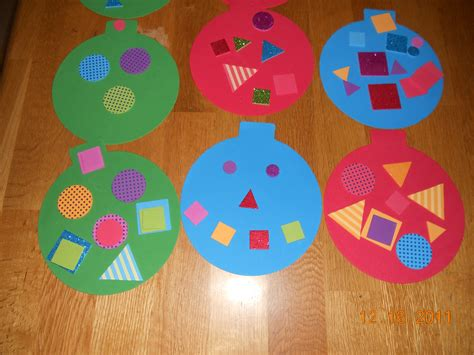 Construction Paper Crafts For Kindergarten - preschool crafts for easy ornament craft