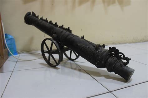 Barang Antik Meriam polres penajam ringkus pelaku penipuan barang antik