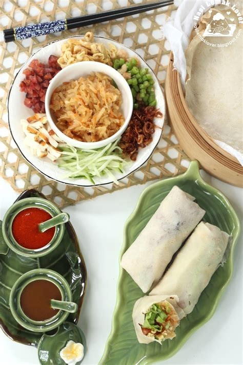 seven vegetables new year popiah crepe with mix vegetables filling