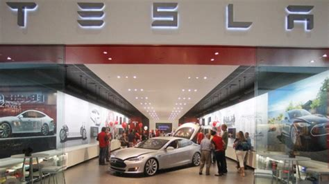 Tesla Mall Tesla Delivers Record 7 785 Sedans In Q3 But Reports Net