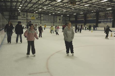 Crystal Ice House Crystal Lake Il 60014 815 356 8500 Skating