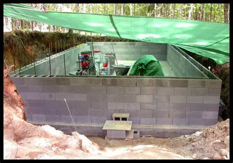 underground walls solar powered home