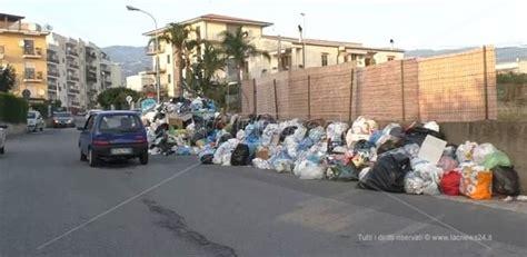centro ufficio lamezia lamezia avvocato cita in giudizio comune su rifiuti