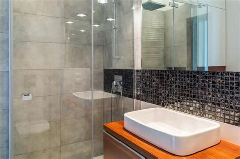 Kalk In Badewanne Entfernen by Die Besten 17 Ideen Zu Glasduschen Auf Duschen