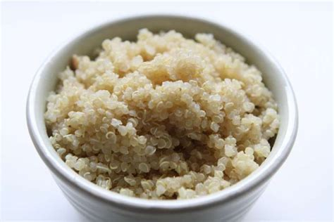 whole grains like quinoa the difference between whole grains white rice brown
