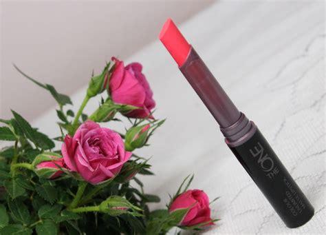 The One Colour Unlimited Matte Lipstick 1 redakcyjne testowanie pomadki oriflame