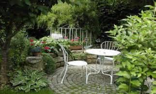 Garden And Patio by Hgtv Patio Garden Ideas Vertical Home Garden
