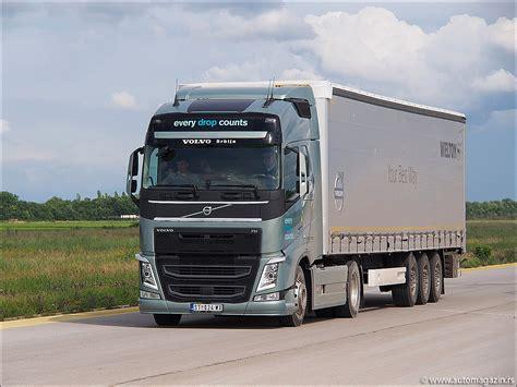 volvo trucks na volvo trucks na aerodromu u batajnici 01 05 2013