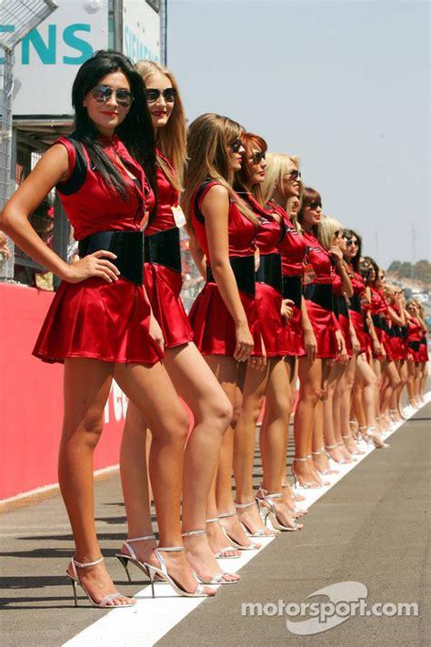 Grid girls at Turkish GP