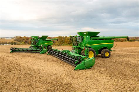 new john deere combine developments for 2015 john deere combines www imgkid com the image kid has it