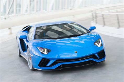 lamborghini aventador 2018 2018 lamborghini aventador s front end in motion 02