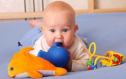 baby 8 monate schlaf nye kemikrav g 248 r b 248 rns leget 248 j mere sikkert organictoday dk