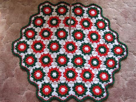 free crochet patterns free crochet christmas tree skirt