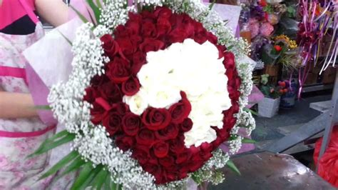 How To Make A Bouquet Of Roses With Paper - florist in singapore of 99 roses shape