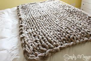 How to arm knit a blanket in 45 minutes www simplymaggie com