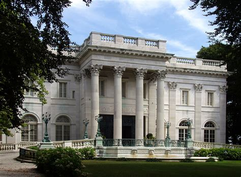 Rhode Island House by Marble House