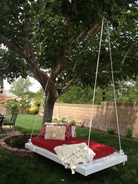 awesome hanging lounger   recycled pallets