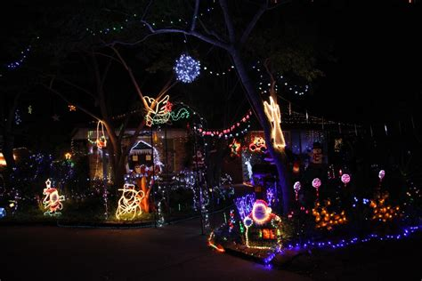 christmas lights banned for muslims not in our town