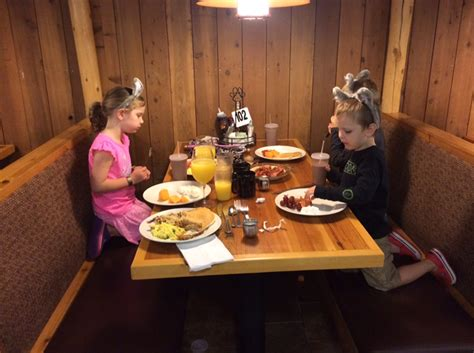 great wolf lodge buffet great wolf lodge washington a howwwwwling time