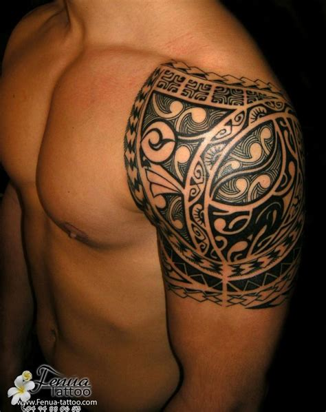 Les 25 meilleures idées de la catégorie Tatouage tribal bras sur Pinterest