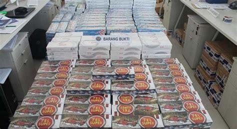 Cirebon Metro Perguruan Tinggi ratusan ribu rokok tanpa pita cukai disita bea cukai