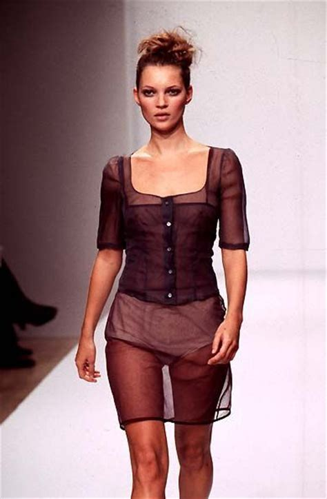 Catwalk To Photo Shoot Kate Moss In Donna Karan by Kate Moss Runway Catwalk Inspire Fasion Craft