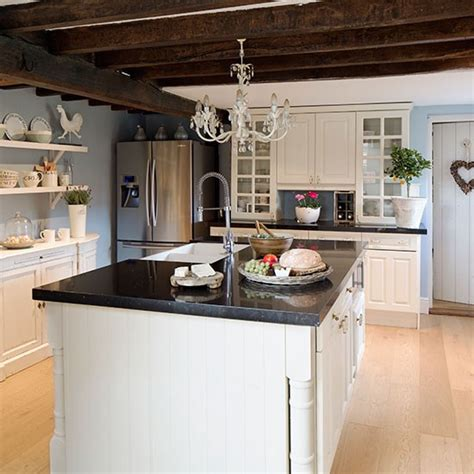 Country Kitchen With Chandelier Kitchen Decorating Country Chandeliers Kitchen