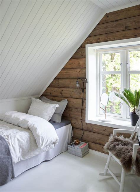 attic bedrooms       clean  upstairs asap