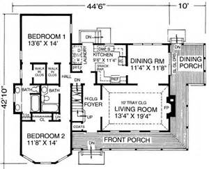 1600 sq ft farmhouse style house plan 3 beds 3 baths 1600 sq ft