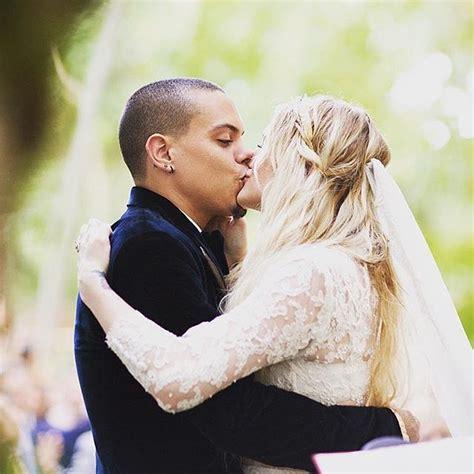 ashlee simpson weds evan ross at diana ross estate ashlee simpson and evan ross wedding pictures popsugar