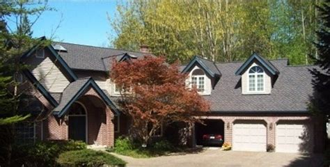 discover seven cedar roof shingle homes you will want to build 8 best contractor craftmanship images on pinterest house